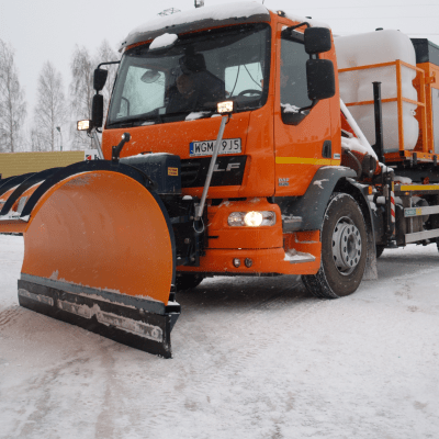Ozamet snow plow and spreader