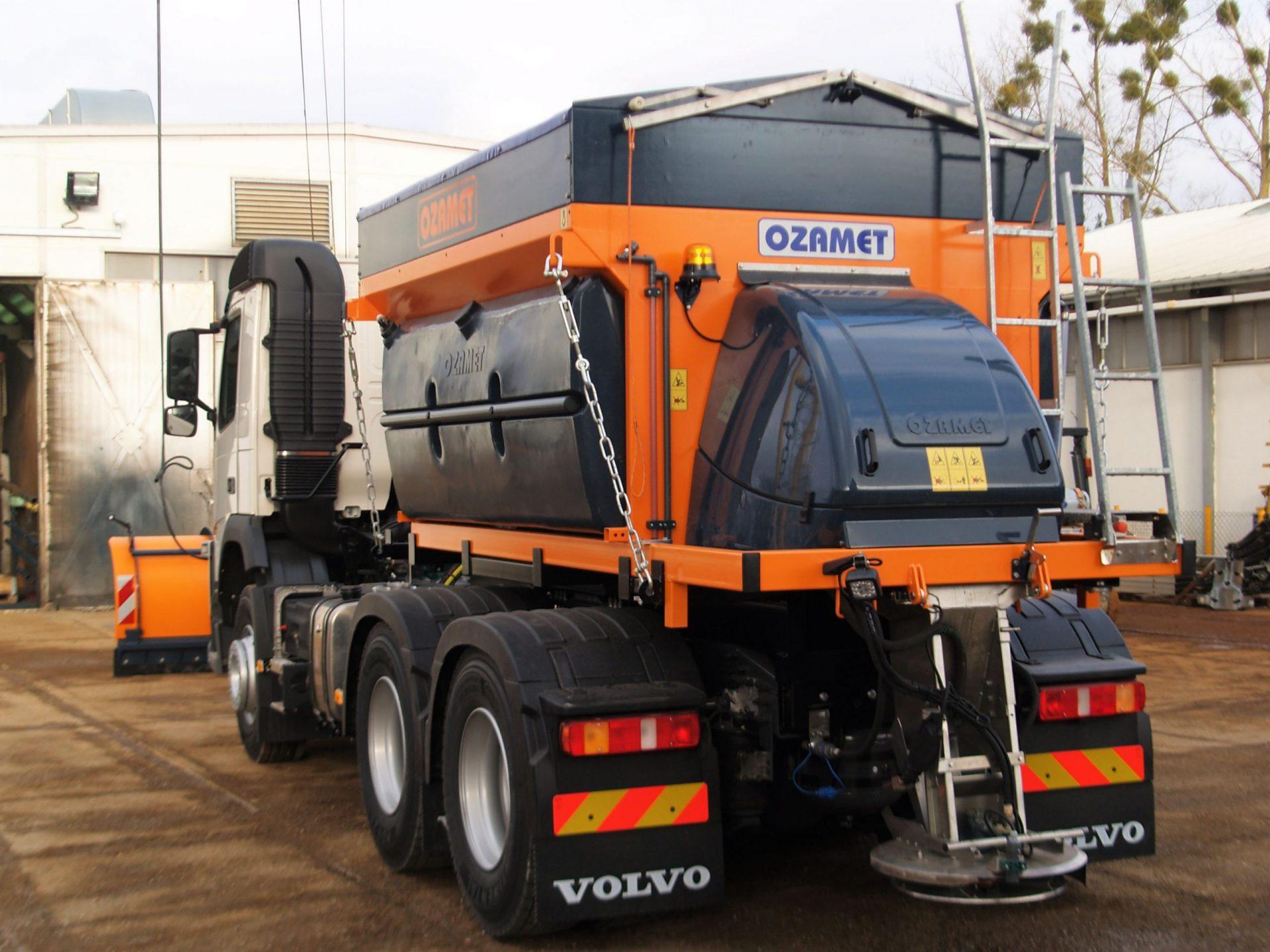 Ozamet snow plow and spreader