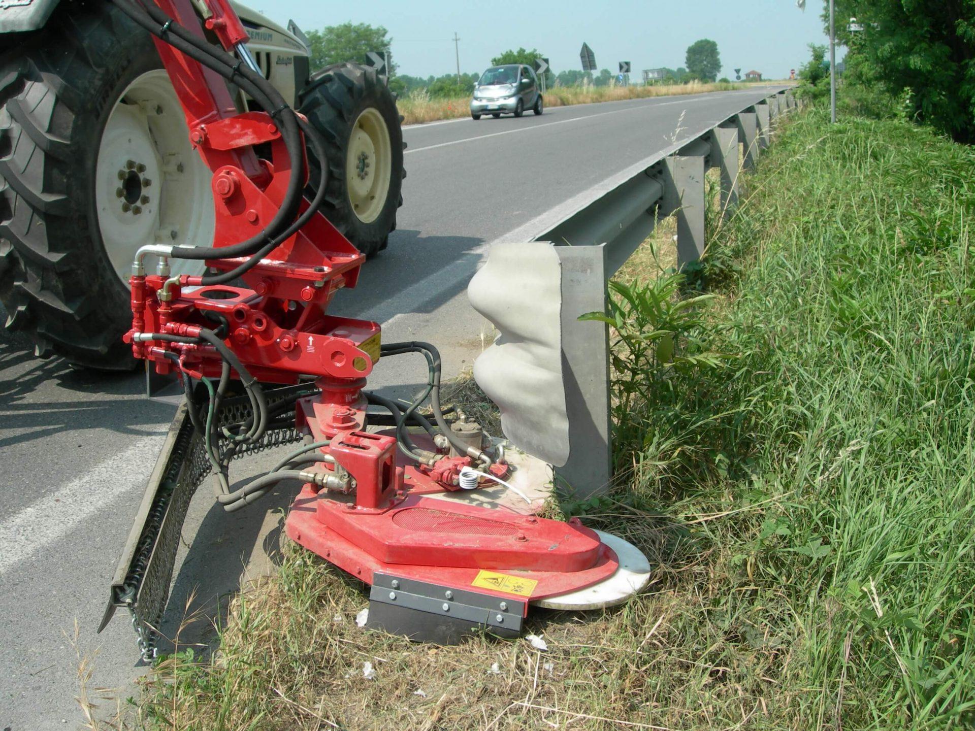 Orbitol 5 barrier mower